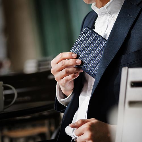 スーツ印伝