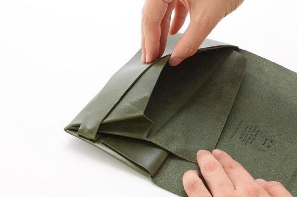 所作 財布の縫製