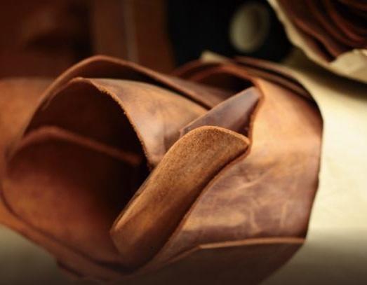 ナポレオンカーフに使われているオイルドヌバック