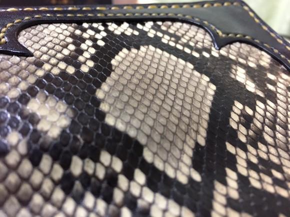 自作のパイソンレザーを使った革財布