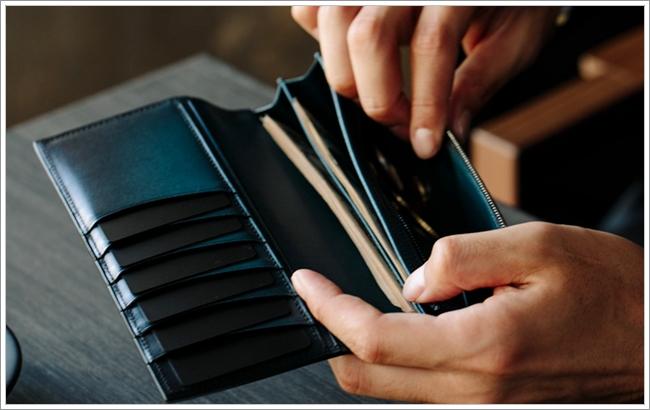 YUHAKUのベラトゥーラ長財布