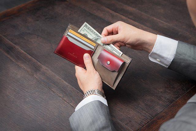 YUHAKUのコードバン二つ折り財布