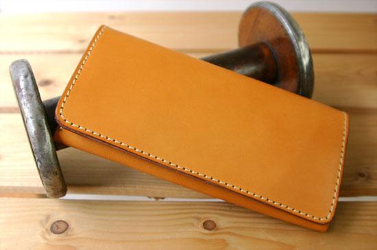 ヘルツ 長財布