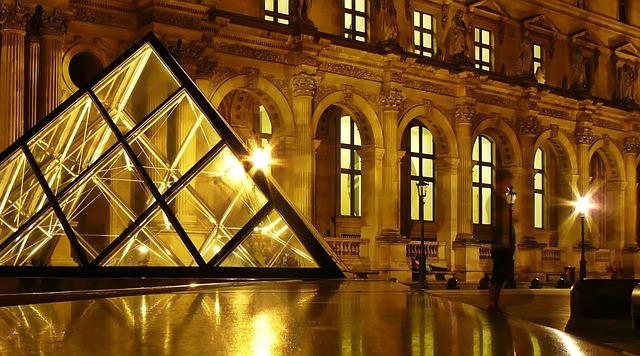 paris-1060231_640
