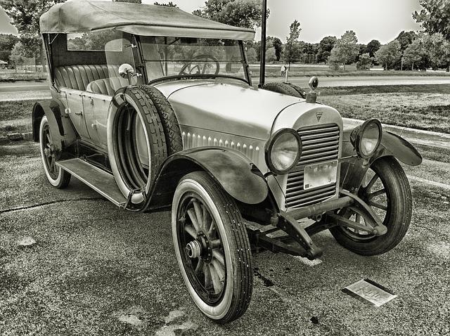 レトロなクラシックカーも経年変化と呼べるのでは無いでしょうか