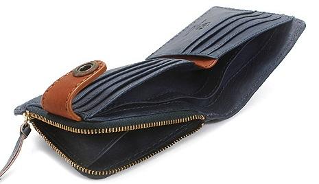 クリードの個性的な財布