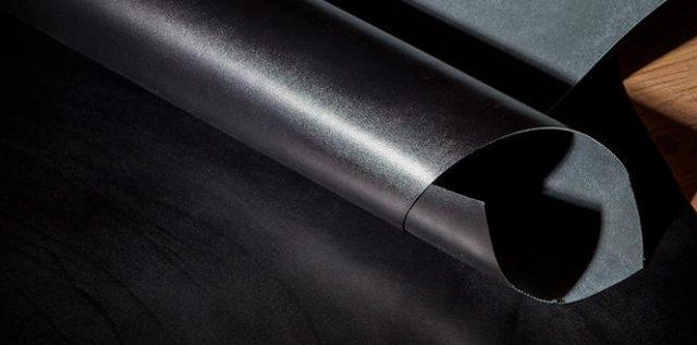 ココマイスターのクリスペルカーフシリーズに使われている皮革素材