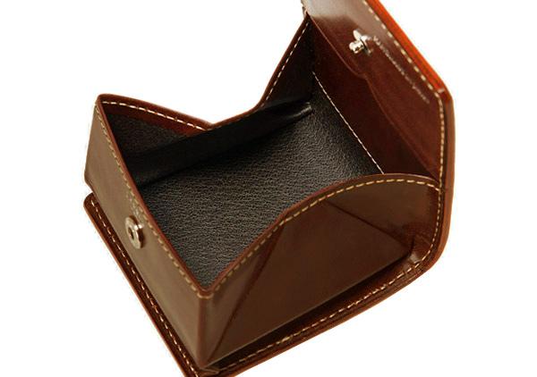 BOX型小銭入れで見ないといけないのが革質