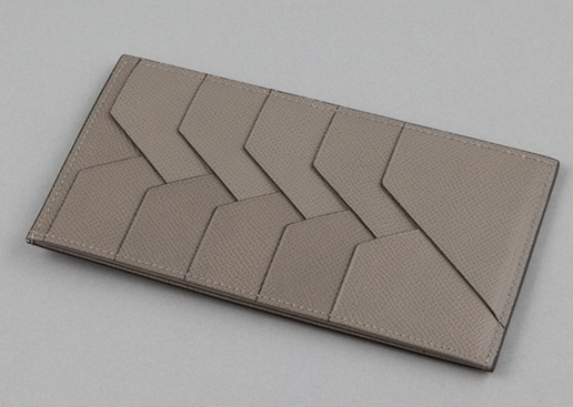 YUHAKUのアルベルテシリーズの長財布のカード入れ部分
