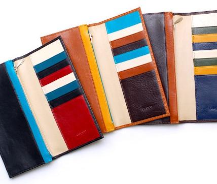 カラーオーダーが出来るJOGGOのカジュアルな長財布