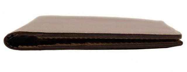 ポーターのグルーシリーズの長財布を横からみたところ