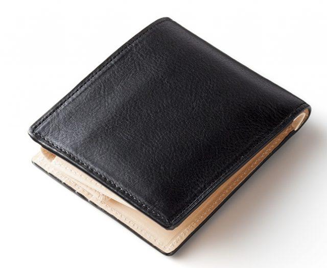 ココマイスターのマットーネ マルチパース二つ折り財布