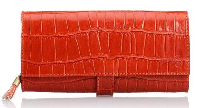 カジュアルなフェリージのコロコロ可愛い長財布