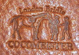 ココマイスターのロンドンブライドルシリーズのロゴ