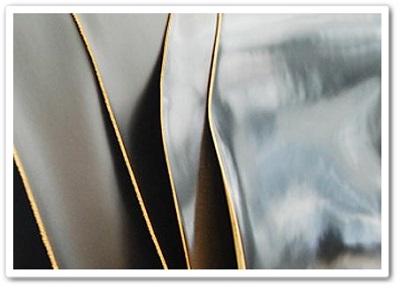 宮内レザー製の顔料染めコードバン