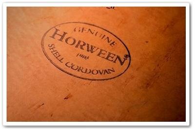 ホーウィン社のロゴが入ったコードバン