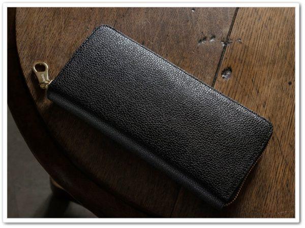 チマブエのラウンドファスナー長財布