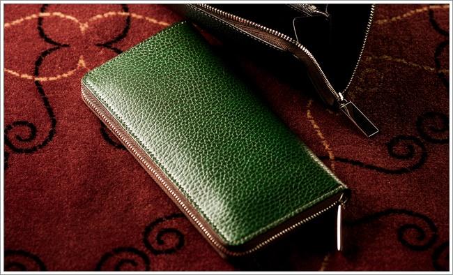 ロッソピエトラシリーズの長財布