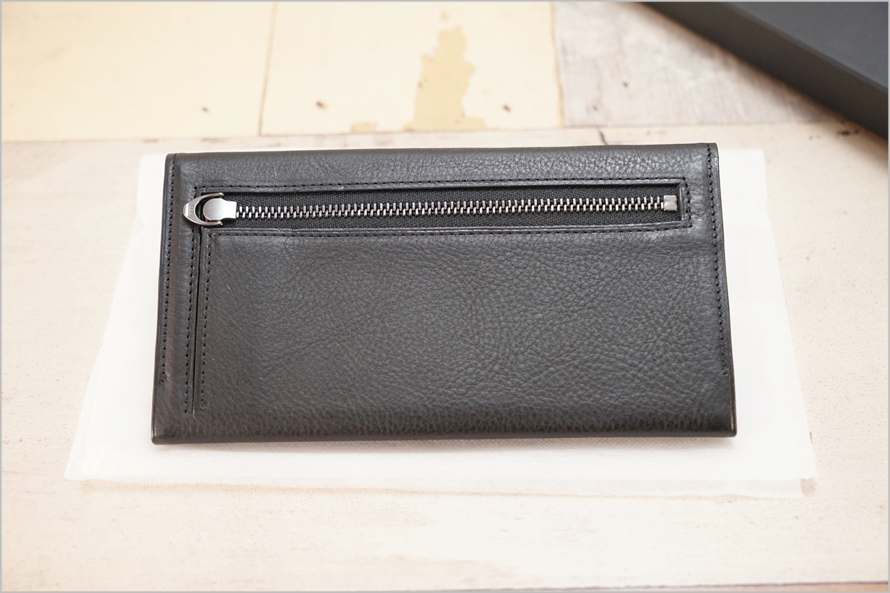 ディアレスト長財布のカブセ束入れN01の裏側の小銭入れ
